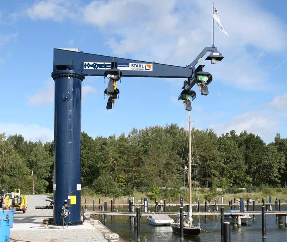 Консольные краны STAHL CraneSystems для портов и верфей